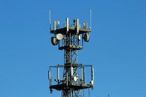 radio-mast-561650_1280 by FraukeFeind - pixabay.com