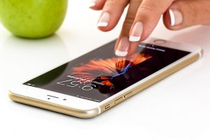 smartphone-1894723_640 by stevepb - pixabay.com